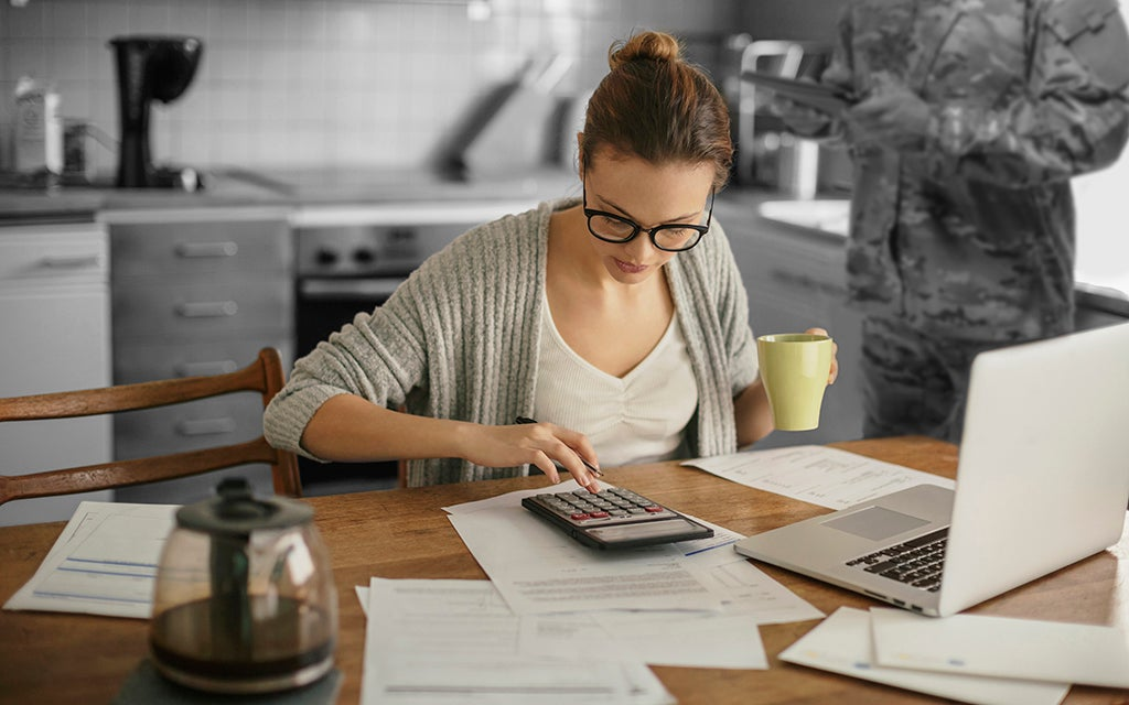 Managing Finances as a Military Spouse